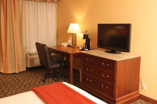 Miami Springs, FL: Holiday Inn Express Miami Airport Spacious Single Bed Room