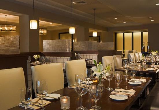 Peoria, IL: Table 19 Restaurant