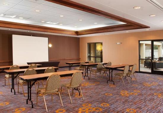 Gastonia, NC: Meeting Space - Classroom Setup