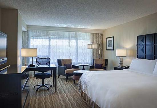 Renaissance Baltimore Harborplace Hotel: King Guest Room