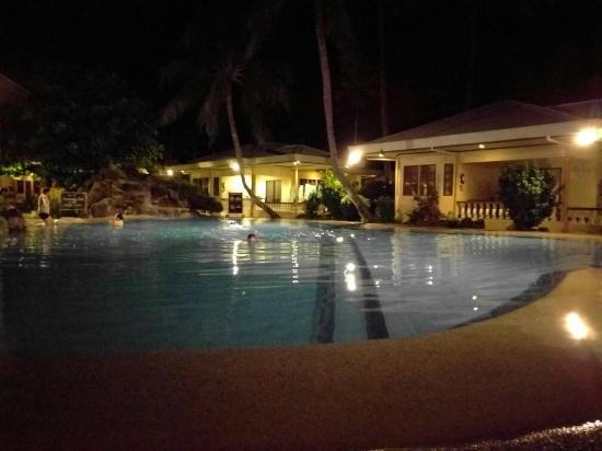 Paras Beach Resort: TA_IMG_20160211_184900_large.jpg
