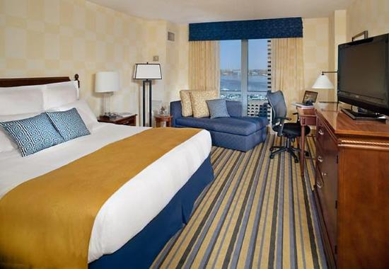 Renaissance Portsmouth-Norfolk Waterfront Hotel: King Guest Room