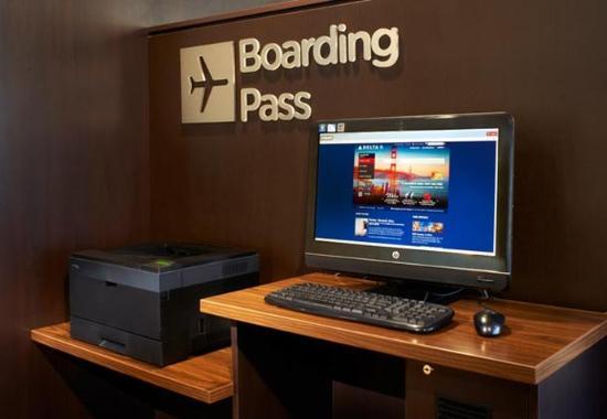 Mendota Heights, MN: Boarding Pass Station