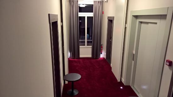 Overpelt, Belgique : Palier du 1er étage