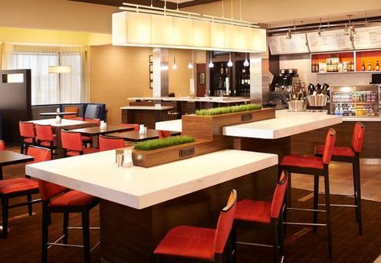 Arlington Heights, Ιλινόις: Communal Table