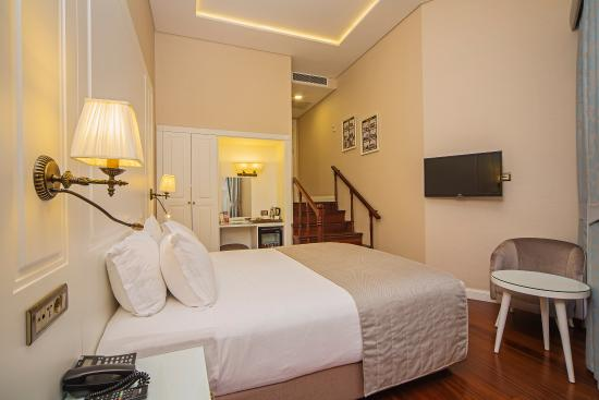Ada Karakoy Hotel