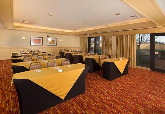 Courtyard by Marriott Springfield Airport: Meeting Rooms