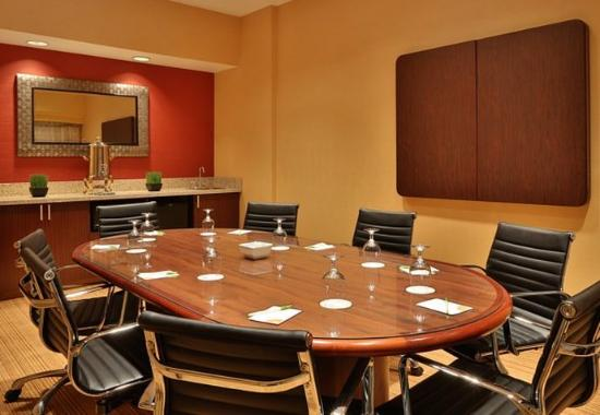 Courtyard by Marriott Springfield Airport: Boardroom