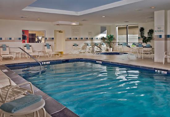 Ronkonkoma, estado de Nueva York: Indoor Pool & Whirlpool
