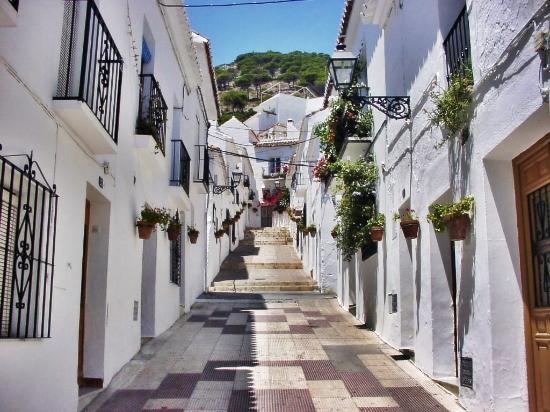 TRH Mijas: Street in Mijas