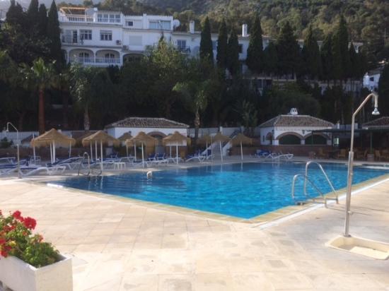TRH Mijas: Nice swimming pool with Bar
