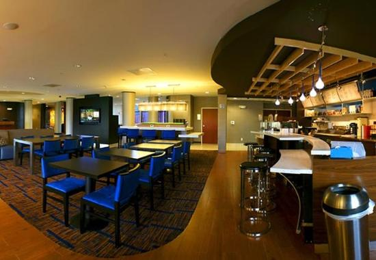 Oxford, AL: Bistro Dining Area