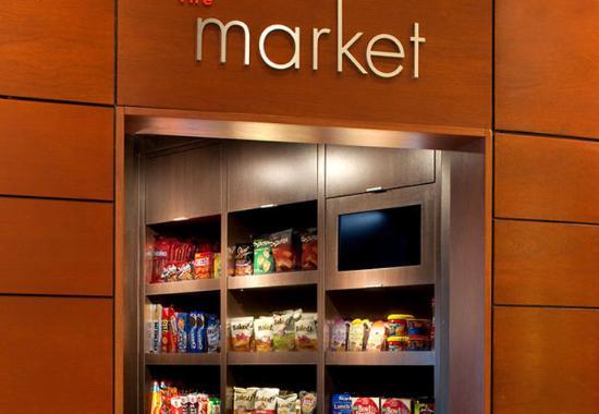 Waltham, ماساتشوستس: The Market