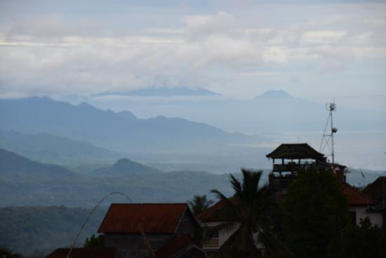 Aditya Homestay: View from our Balcony. Far two mountains are Java.