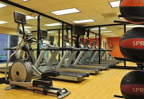 Courtyard by Marriott Edison/Woodbridge: Fitness Center