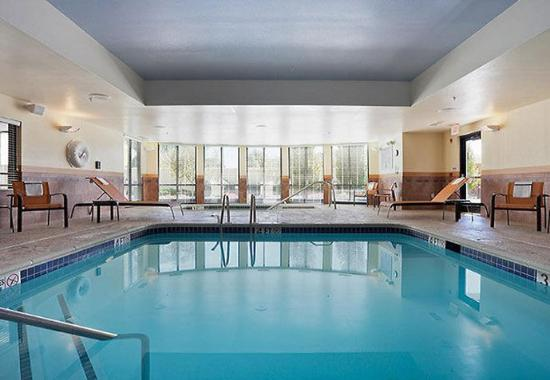 Wall Township, NJ: Indoor Pool & Whirlpool