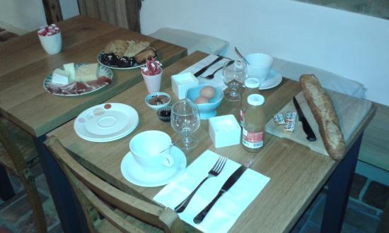 A l'ecole buissonniere : petit déjeuner complet !