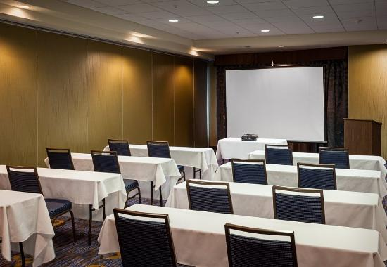 Richland, WA: Riverview Marina Meeting Room - Clasroom Setup