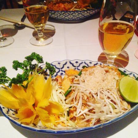 Baden, Suisse : Phad Thai mit Poulet und Tofu inkl. Singha Bier