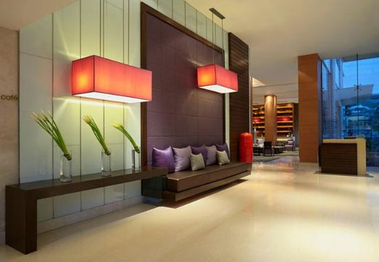 Courtyard by Marriott Hotel Bangkok: Lobby