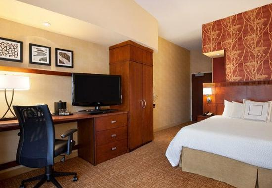 Junction City, KS: King Guest Room