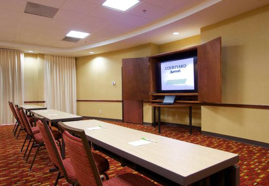 Blacksburg, Вирджиния: Meeting Room - Clasroom Setup