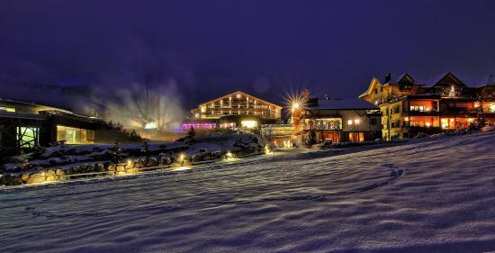 Hotel jungbrunn tannheimer tal tirol hotel winter for Designhotel tannheimer tal