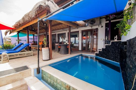 Lembongan Harmony Villas: Deck & Infinity Pool 1 bedroom Villa