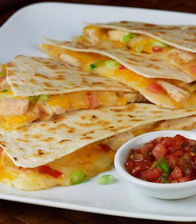 North Olmsted, Ohio: Grilled Chicken Quesadilla