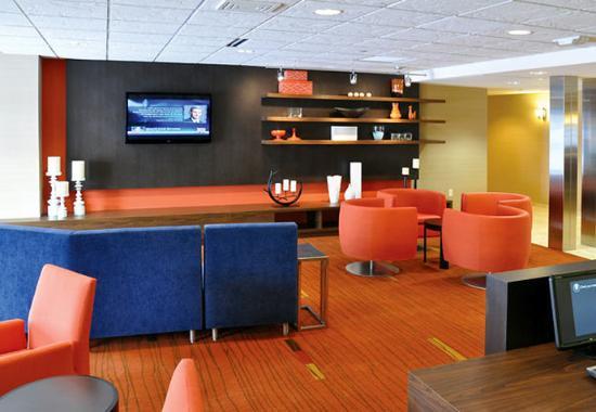 วอซอ, วิสคอนซิน: Theater & Lounge Area