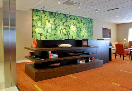 วอซอ, วิสคอนซิน: Business Library