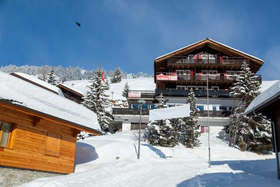 Riederalp, Suisse : Winter - Front of Hotel