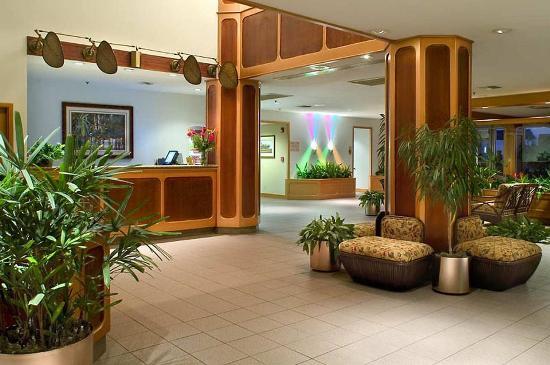 Doubletree Beach Resort by Hilton Tampa Bay / North Redington Beach: Lobby