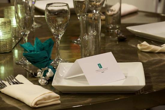 East Syracuse, نيويورك: Banquet Details, Place Cards