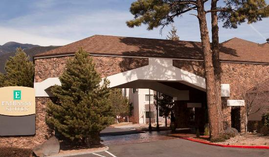 Embassy Suites by Hilton Flagstaff: Exterior Hotel