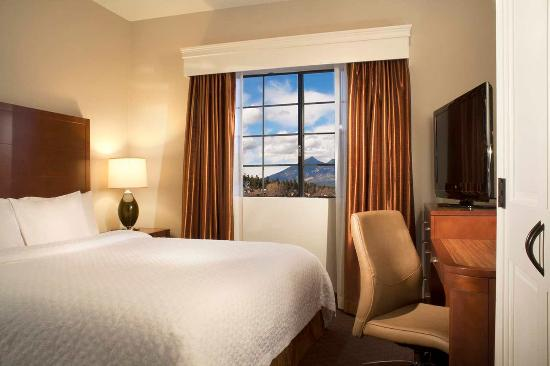 Embassy Suites by Hilton Flagstaff: King Bed Suite