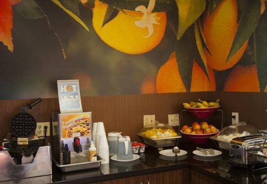 ซาลิดา, แคลิฟอร์เนีย: Breakfast Buffet