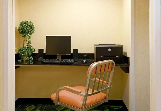 Middleboro, MA: Business Center