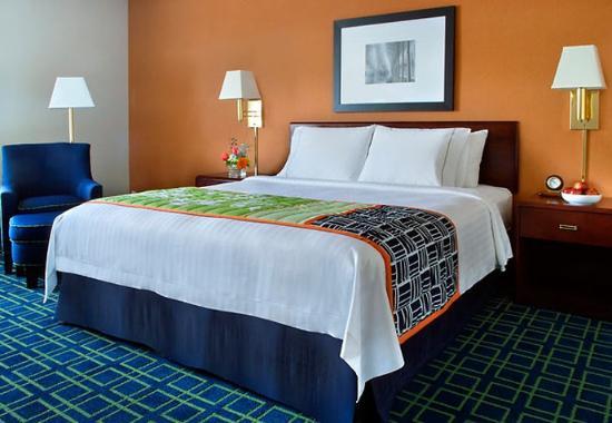 Woburn, MA: King Guest Room