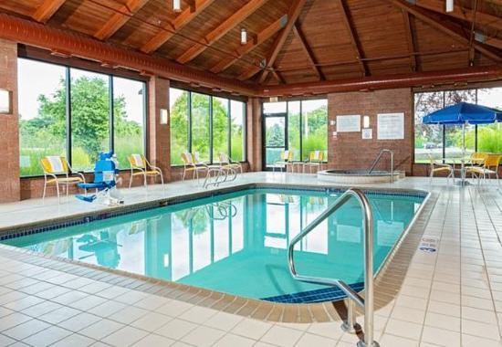 Binghamton, نيويورك: Indoor Pool