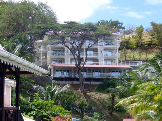 Terre-de-Haut, Guadeloupe: Le nouveau bâtiment CH 12 dernier niveau à droite