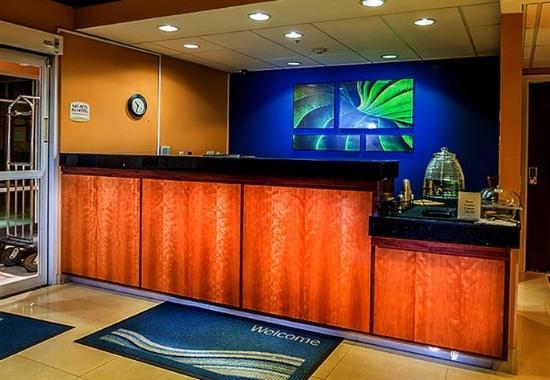 Fairfield Inn & Suites Denver North / Westminster: Front Desk