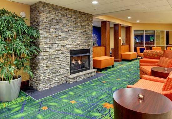 Fletcher, NC: Lobby Fireplace Seating