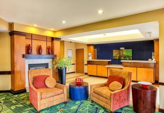 Fairfield Inn & Suites McAllen Airport: Lobby – Sitting Area