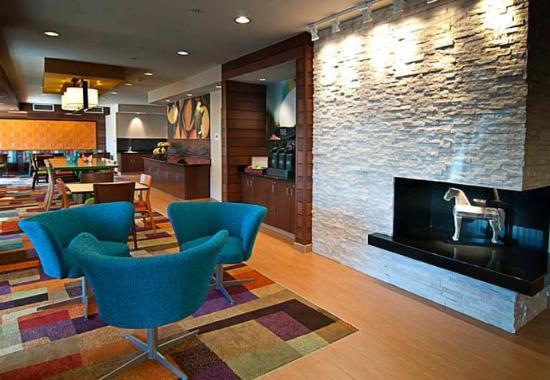 Fairfield Inn & Suites Sioux Falls: Lobby