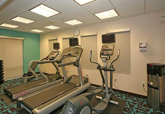 Fairfield Inn and Suites Greensboro: Fitness Center