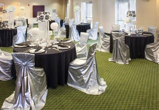 McDonough, GA: Meeting Room – Banquet Setup