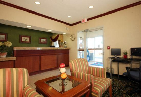 Bay City, MI: Front Desk