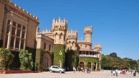 Bangalore Palace: Palace