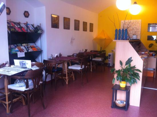 Arco: Our little breakfast cafe